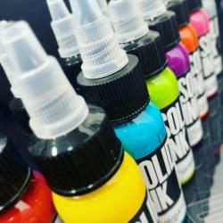 SOLID INK‼️ Pigmentos puros, brillantes y duraderos. Solid Ink es 100% cruelty free y vegana. Disponemos de una gran gama además de sets de algunos de los mejores artistas nacionales e internacionales 🔝  Disponible en... www.griptattoo.es www.griptattoo.es www.griptattoo.es ➖➖➖➖➖➖➖➖➖➖➖➖➖  SOLID INK‼️Pure, bright and long-lasting pigments.  Solid Ink is 100% cruelty free and vegan.  We have a great range as well as sets by some of the best national and international artists 🔝  Available in...  www.griptattoo.es  www.griptattoo.es  www.griptattoo.es #griptattoo #griptattoosupplies #griptattoosupply #spainsupply #solidink