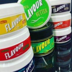 CREMAS PARA TATUAR FLAVOUR‼️ Has visto todos los aromas disponibles que hay de la gama flavour?? Y todos son increíbles 🤪 además han añadido una nueva crema con CBD 🍃 con poder analgésico y antiinflamatorio.  Descúbrelas, su precio es increíble!! Disponible en... www.griptattoo.es www.griptattoo.es www.griptattoo.es ➖➖➖➖➖➖➖➖➖➖➖➖➖   FLAVOR  BUTTER‼️Have you seen all the available scents in the flavor range?  And they are all incredible 🤪 they have also added a new CBD cream 🍃 with analgesic and anti-inflammatory power.  Discover them, their price is incredible!!  Available in...  www.griptattoo.es  www.griptattoo.es  www.griptattoo.es #griptattoo #griptattoosupply #griptattoosupplies #spainsupply #tattoocream #buttertattoo #flavour #flavourcbd #spaintattooproducts #materialparatatuar #materialtatuaje #griptattoo